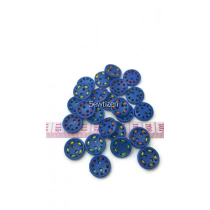 BRIGHT WOOD BUTTON WITH STITCH DESIGN 15MM